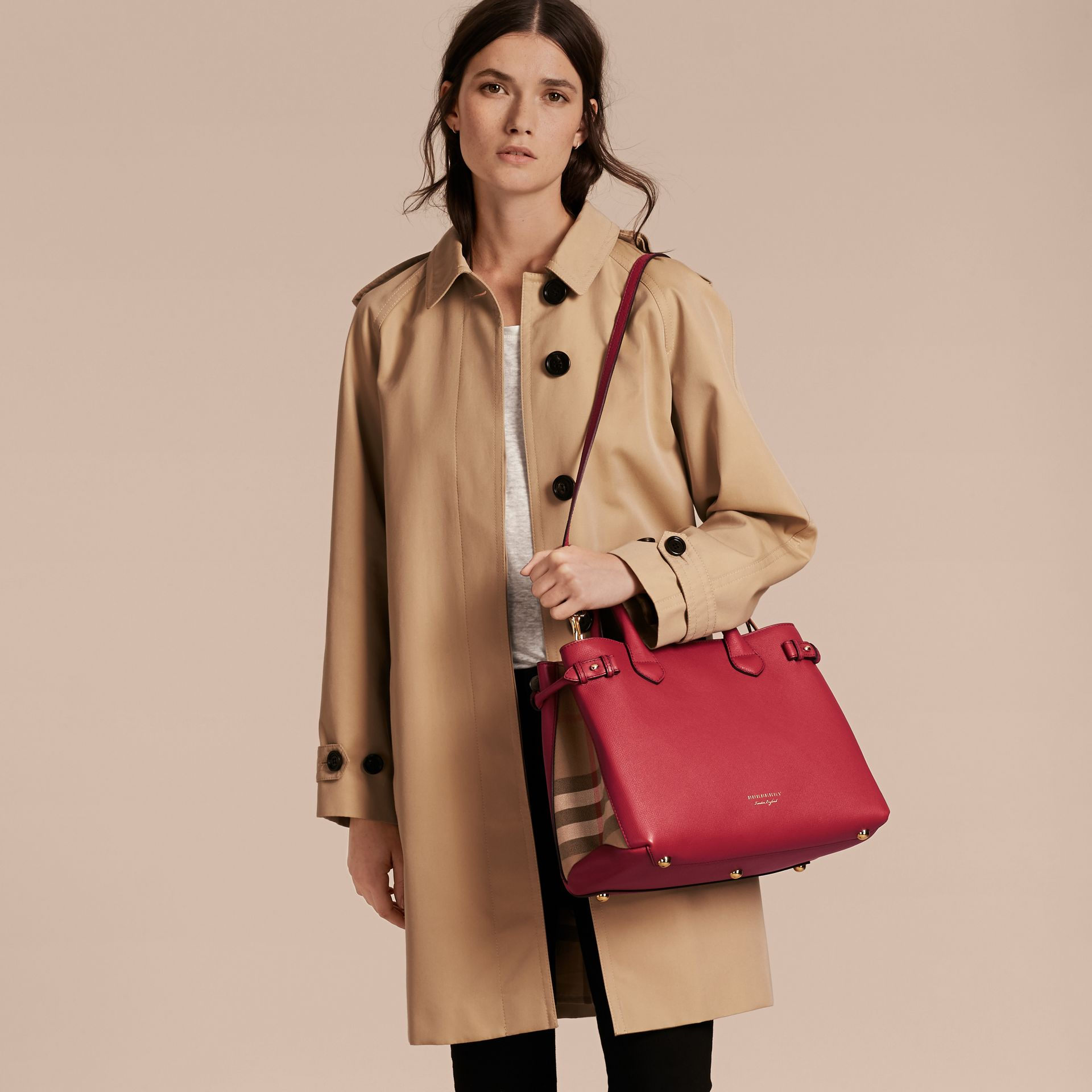 The Medium Banner in Leather and House Check in Russet Red - Women | Burberry - gallery image 3