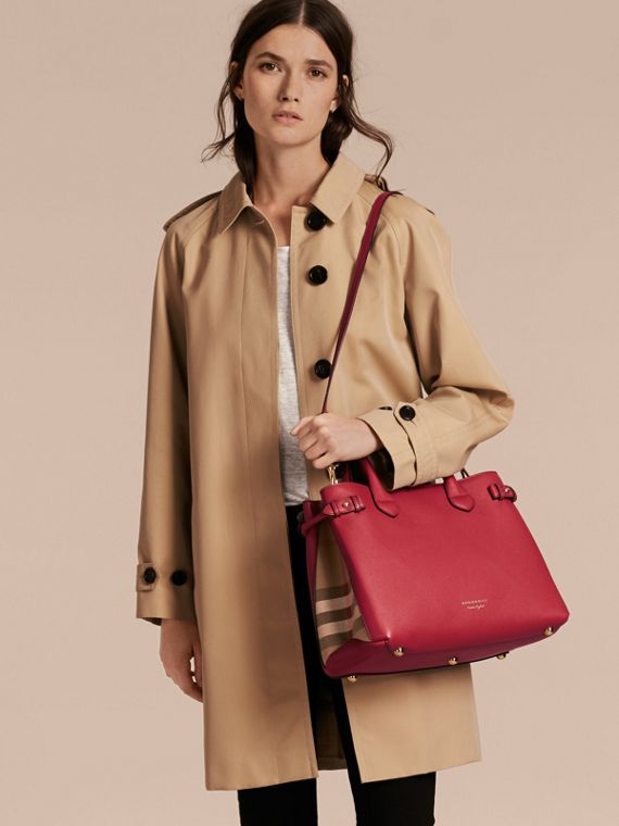 The Medium Banner in Leather and House Check in Russet Red - Women | Burberry United Kingdom - cell image 2