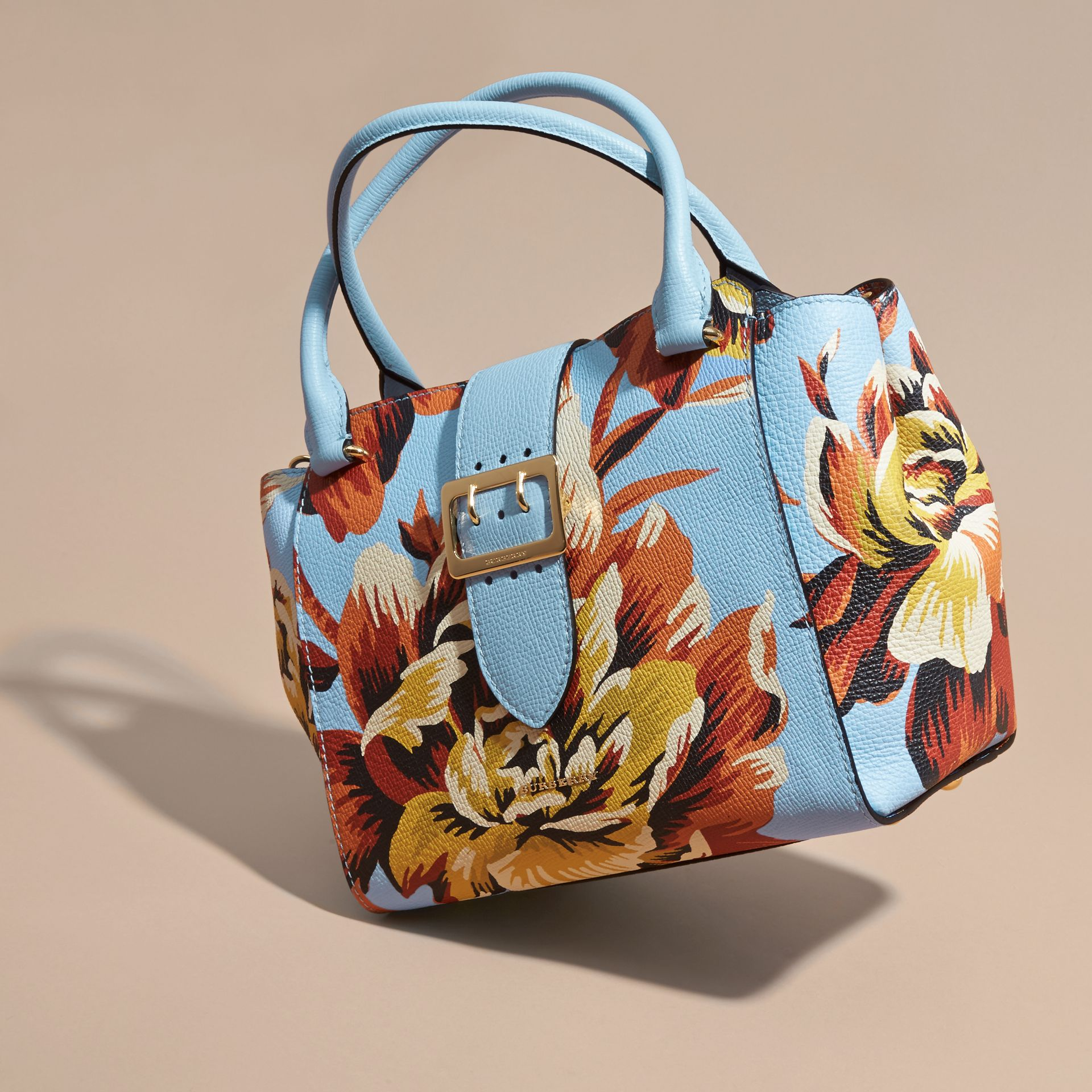 The Medium Buckle Tote in Peony Rose Print Leather in Pale Blue/vibrant Orange - gallery image 8
