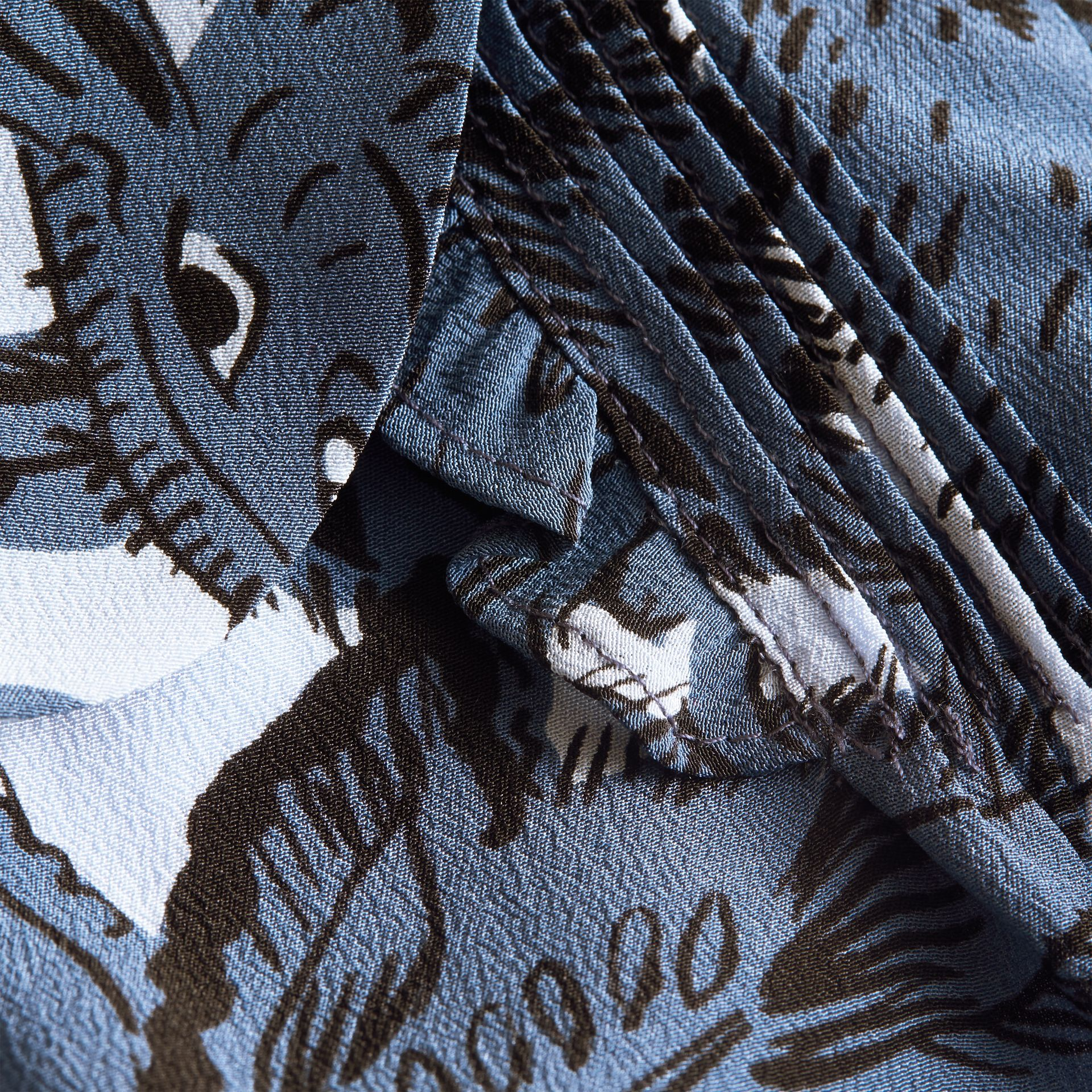 Puff-sleeve Beasts Print Silk Dress in Stone Blue | Burberry - gallery image 2
