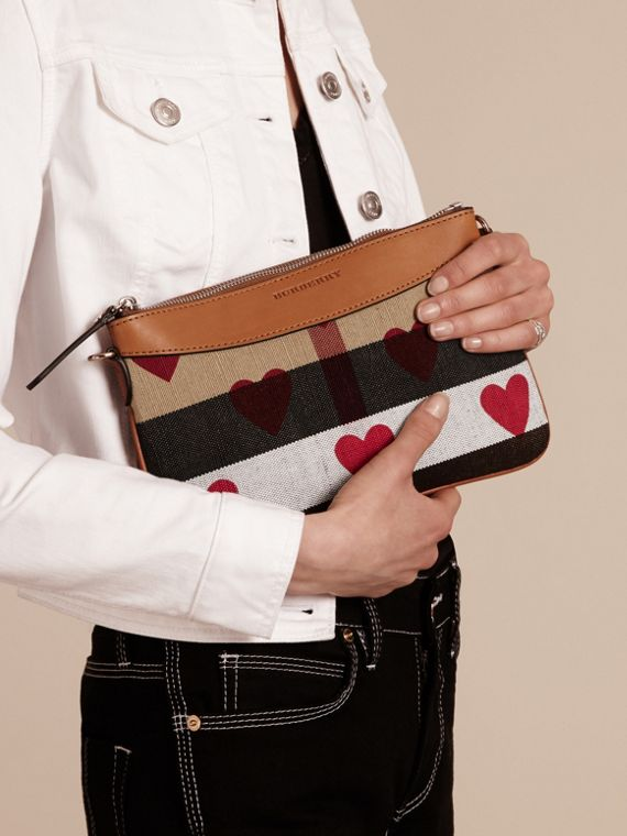 Parade red Heart Print Canvas Check Clutch Bag Parade Red - cell image 3