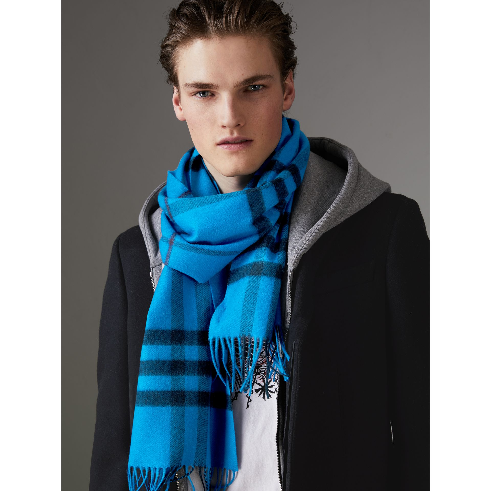 Overdyed Exploded Check Cashmere Scarf in Bright Blue | Burberry Hong Kong - gallery image 3