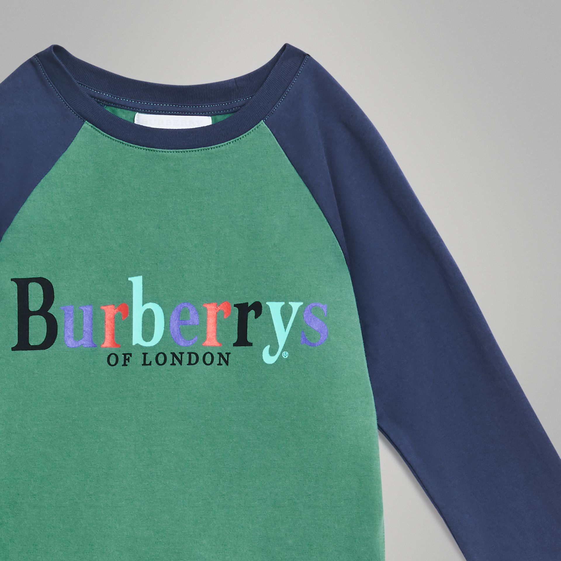 Archive Logo Print Two-tone Cotton Top in Bright Pigment Green | Burberry - gallery image 4
