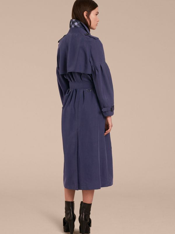 Oversize Silk Trench Coat with Puff Sleeves in Navy - Women | Burberry - cell image 2