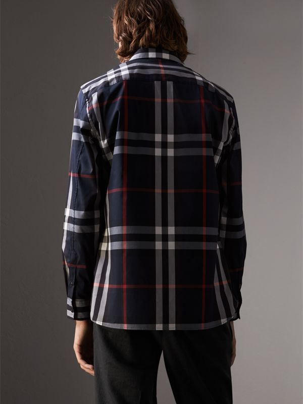 Camicia in cotone stretch con motivo tartan (Navy) - Uomo | Burberry - cell image 2
