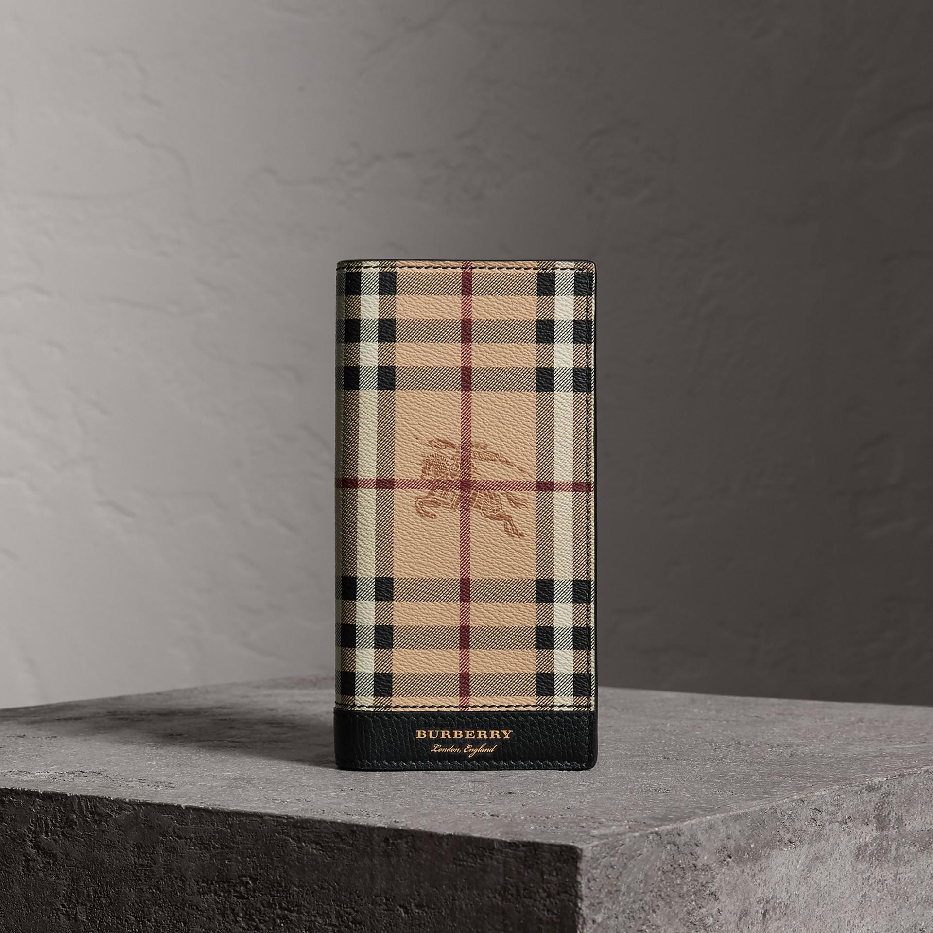 Brieftasche im Kontinentalformat aus Haymarket Check-Gewebe und Leder (Schwarz) - Herren | Burberry - Galerie-Bild 0