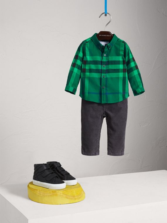 Button-down Collar Check Cotton Shirt in Pigment Green
