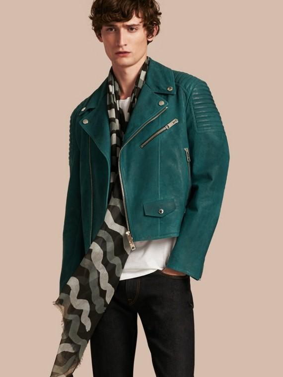 Классическая байкерская куртка
