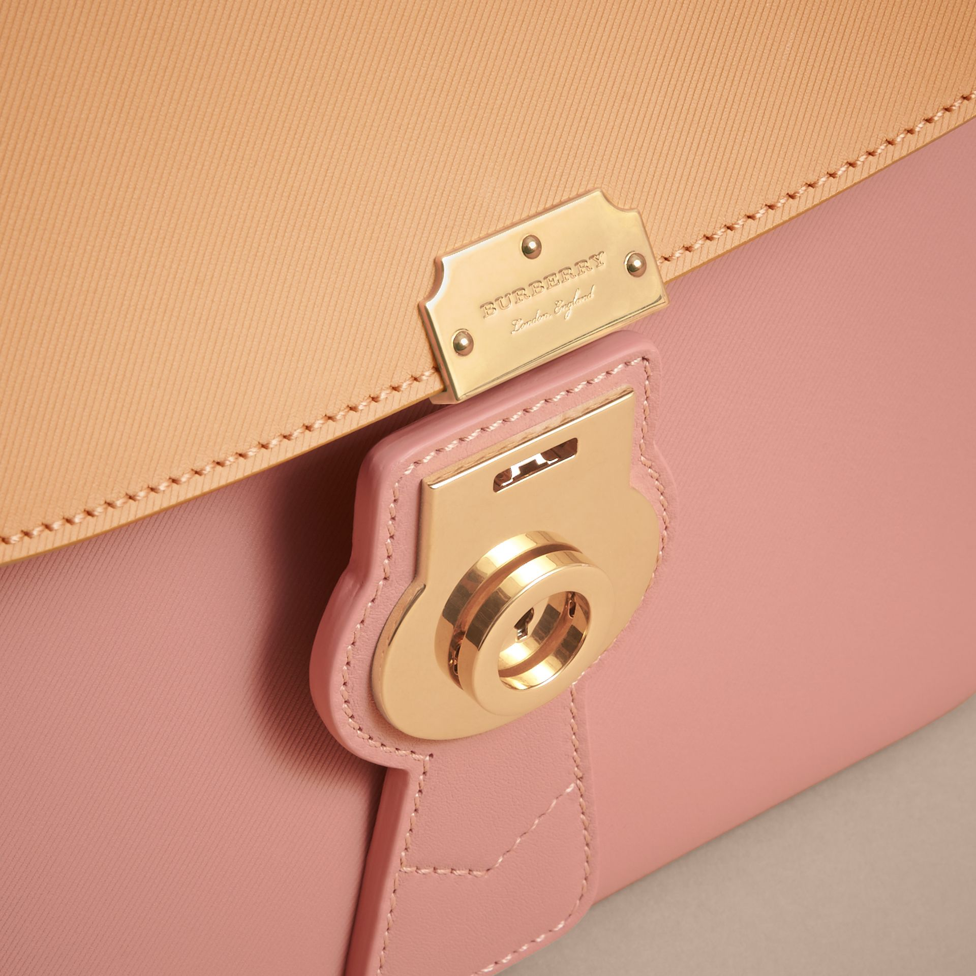 The Medium DK88 Top Handle Bag in Ash Rose/pale Clementine - Women | Burberry Hong Kong - gallery image 2