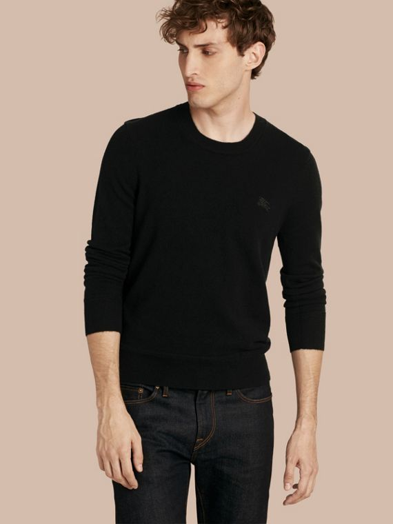 Crew Neck Cashmere Sweater in Black