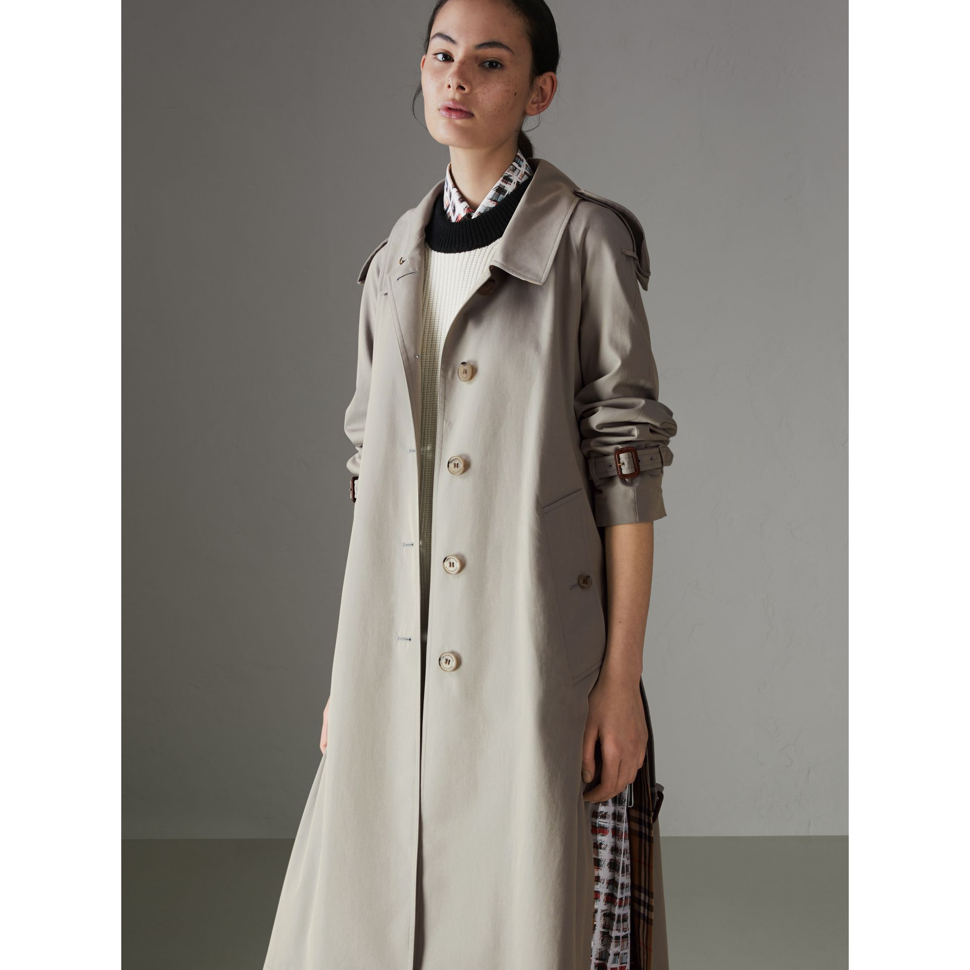 Side-slit Tropical Gabardine Trench Coat in Green Grey - Women | Burberry Canada - gallery image 6