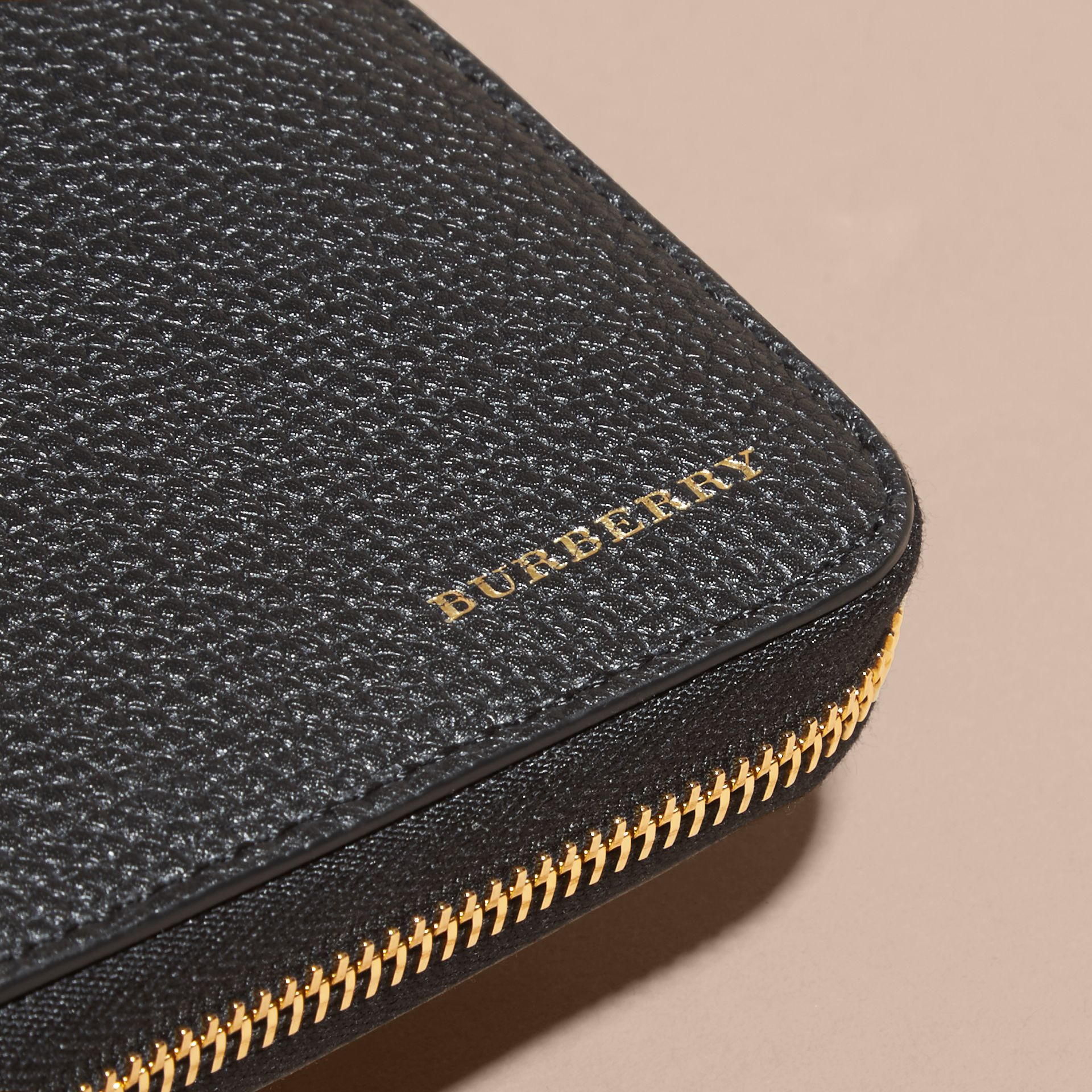 House Check and Grainy Leather Ziparound Wallet in Black | Burberry Australia - gallery image 4