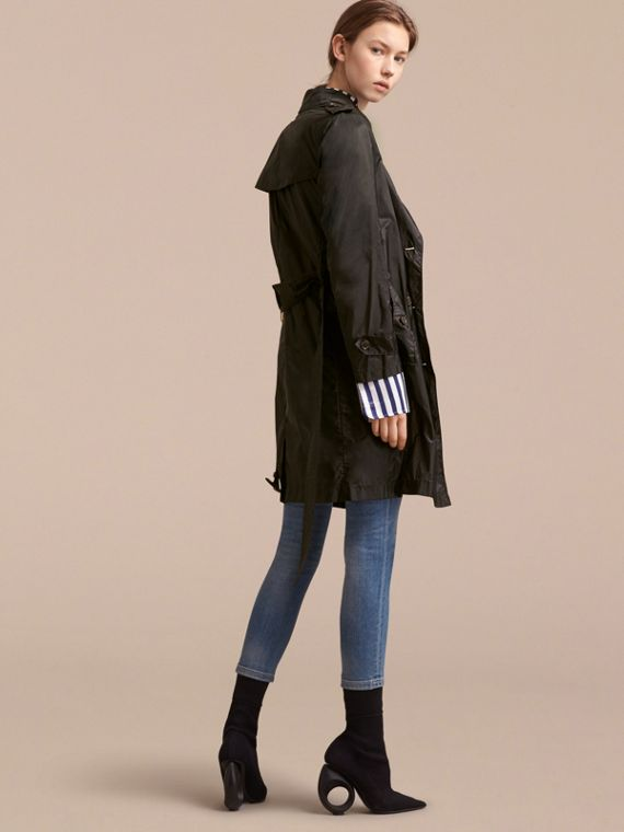 Super-lightweight Trench Coat in Black - Women | Burberry Singapore - cell image 2