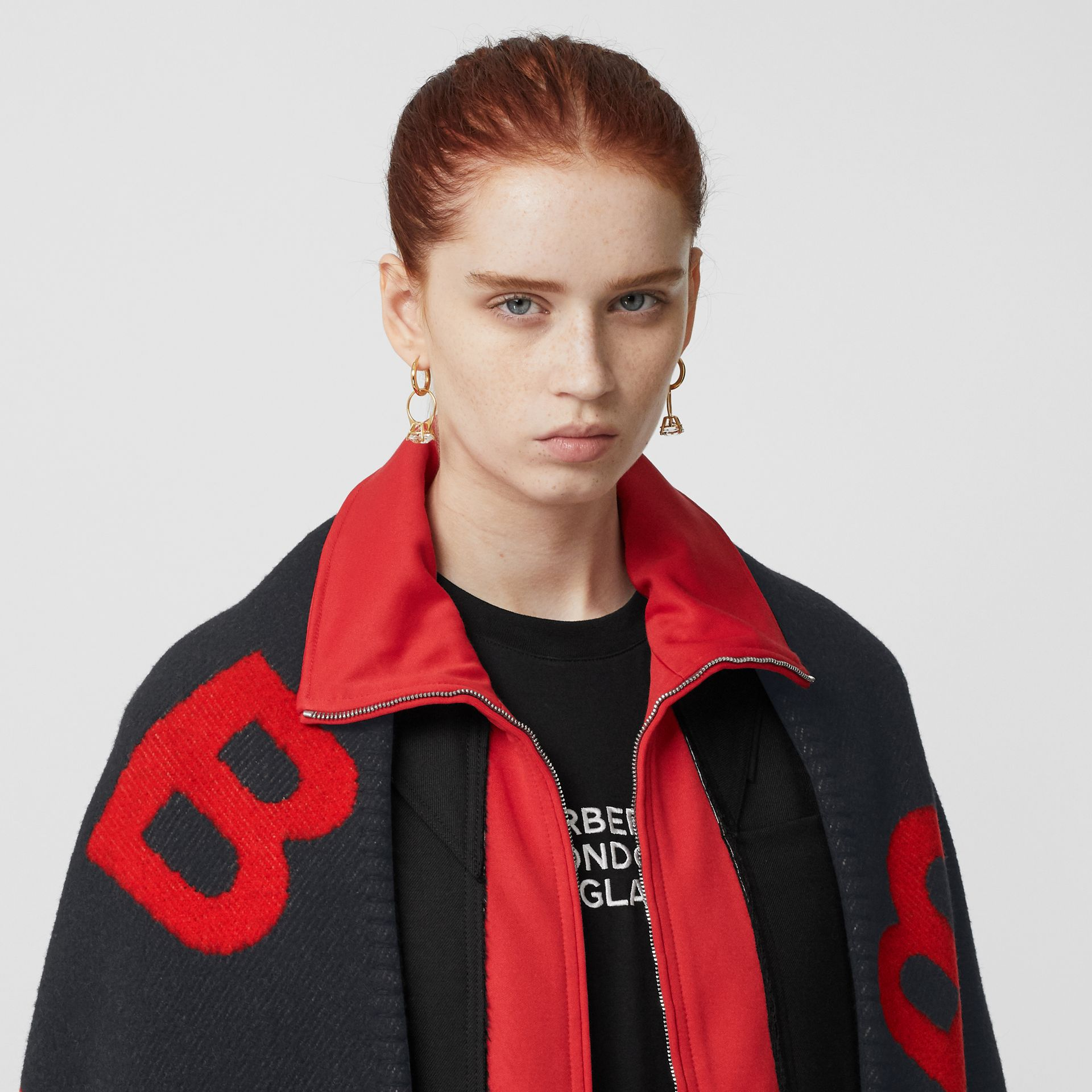 Reversible B Motif Wool Cashmere Blanket Cape in Black/bright Red - Women | Burberry - gallery image 13