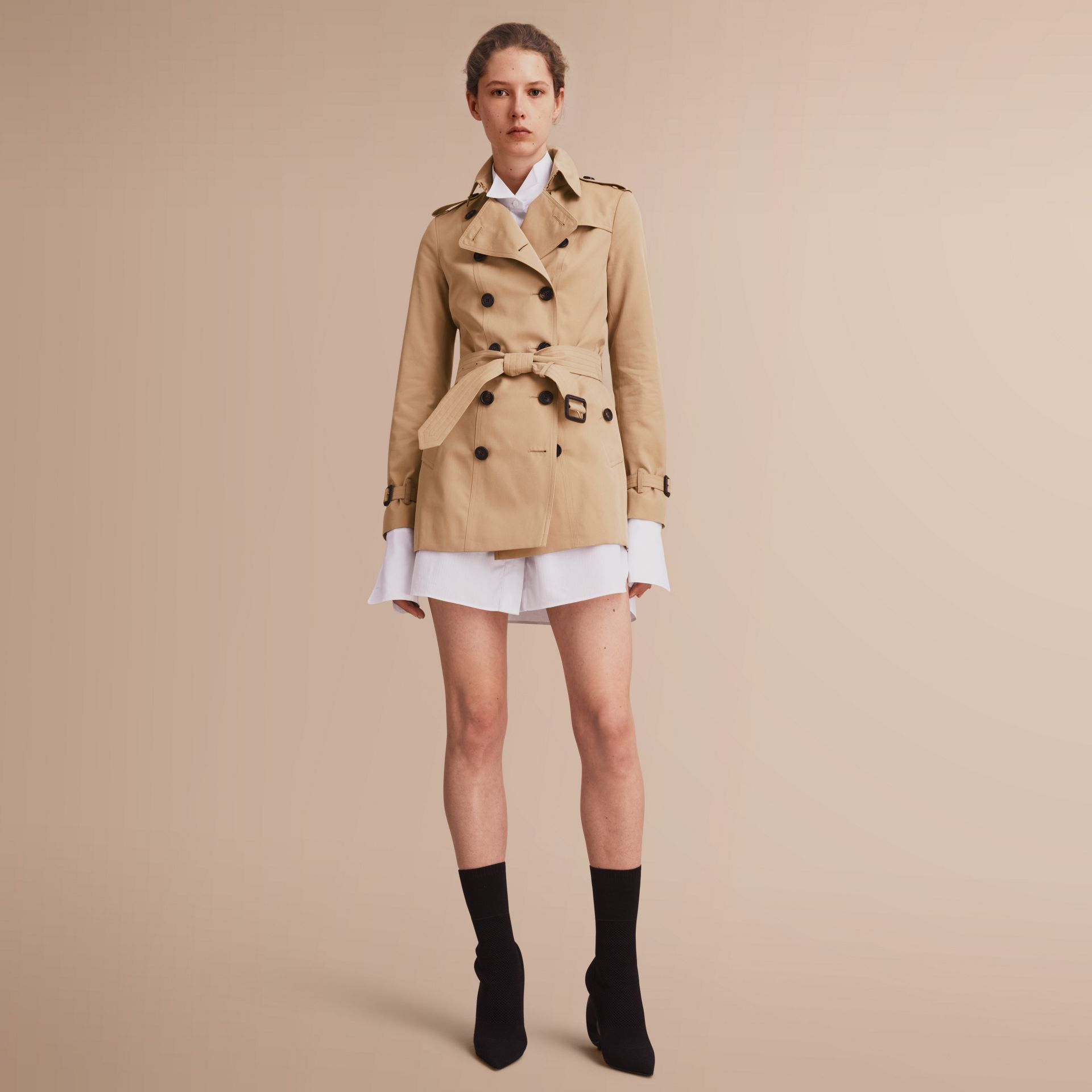 The Sandringham – Short Heritage Trench Coat in Honey - gallery image 1