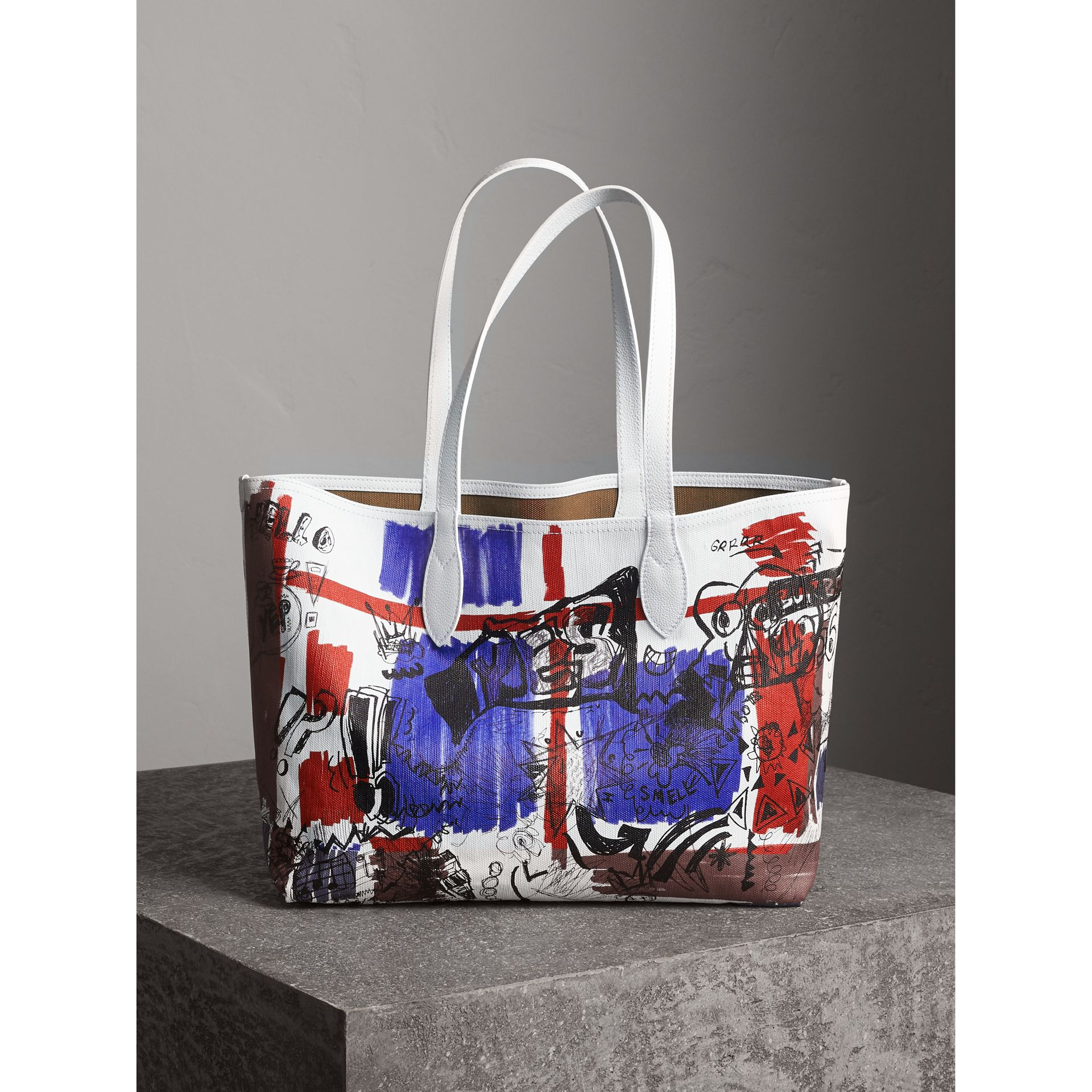 The Medium Reversible Doodle Tote in White | Burberry - gallery image 1