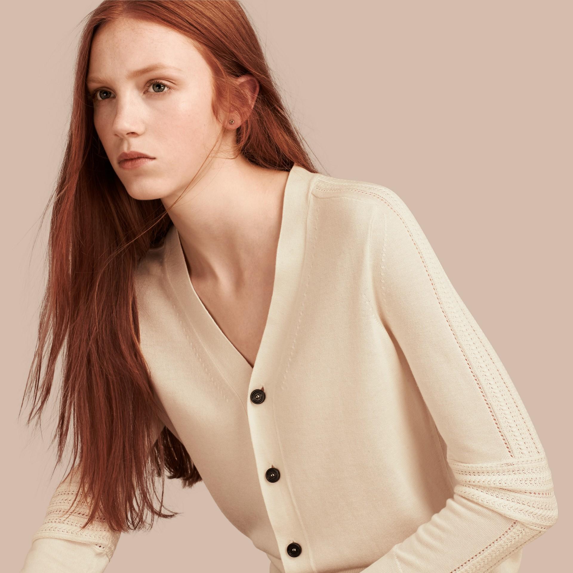 Blanc naturel Cardigan en laine et soie avec garnitures ajourées Blanc Naturel - photo de la galerie 1