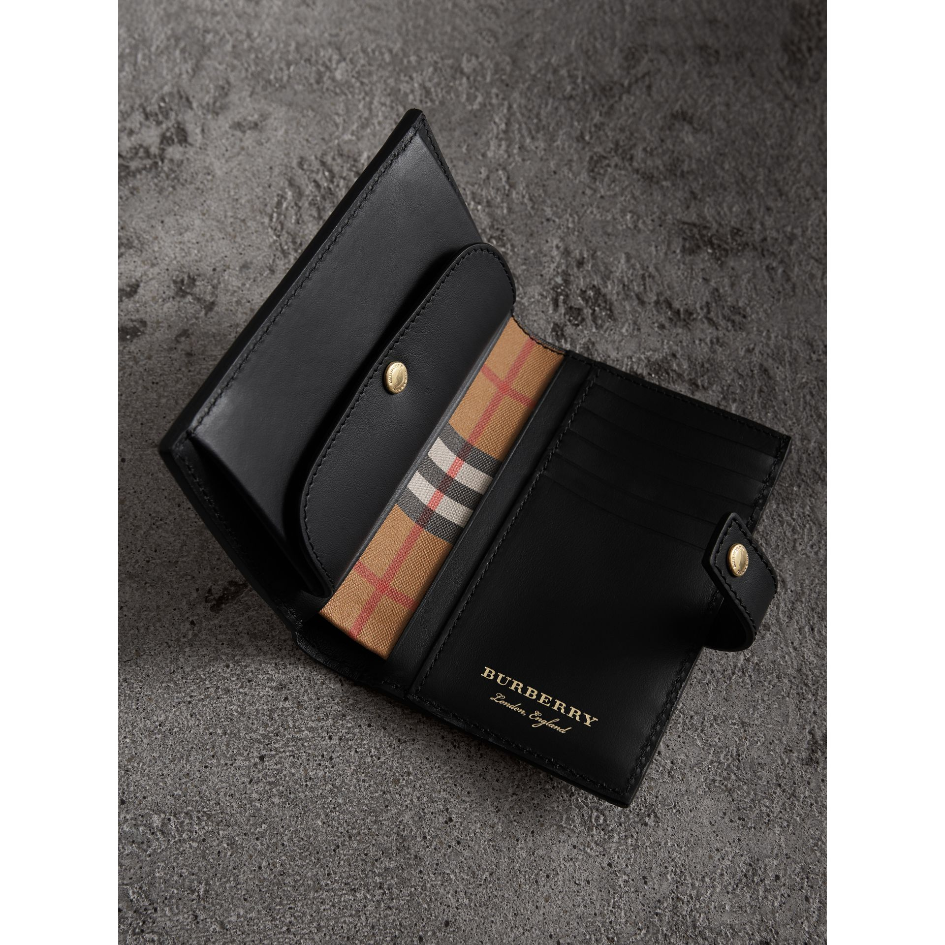 Vintage Check and Leather Folding Wallet in Black - Women | Burberry Hong Kong - gallery image 3