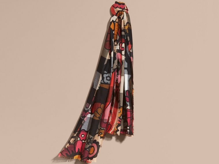 The Lightweight Cashmere Scarf in Check and Floral Print - cell image 4