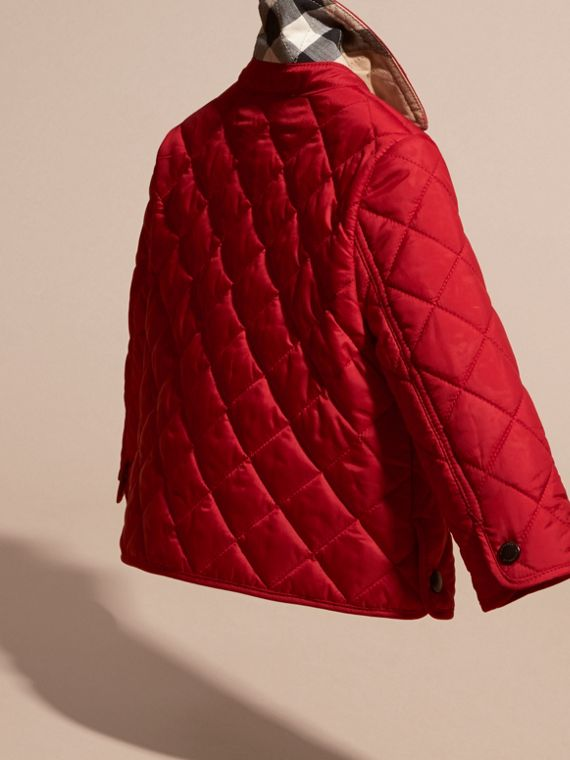 Lightweight Quilted Jacket in Bright Cherry Red - cell image 3