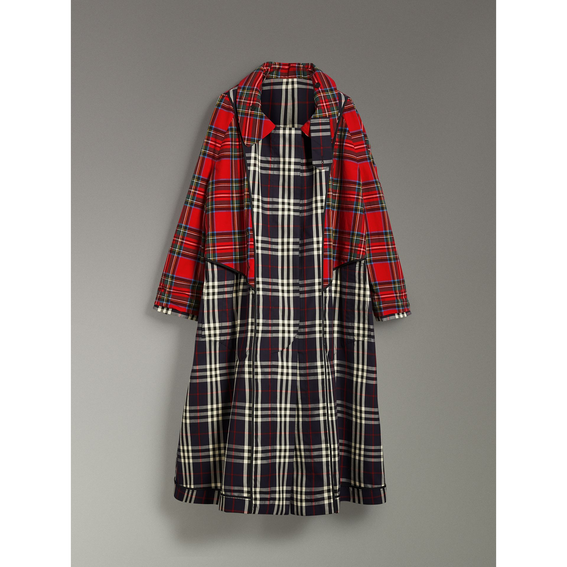 Check and Tartan Cotton Trench Coat in Navy - Women | Burberry United States - gallery image 3