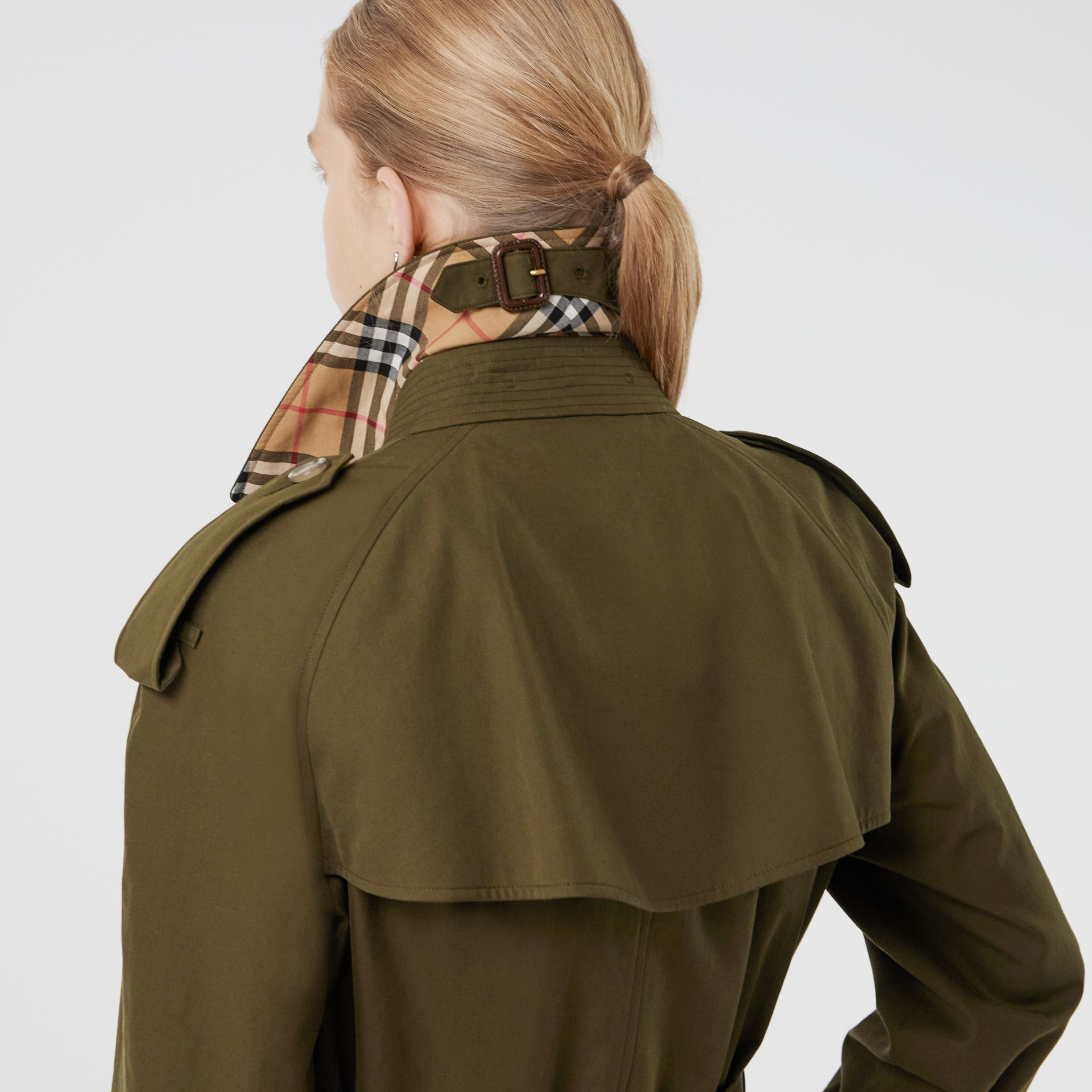 The Long Westminster Heritage Trench Coat in Dark Military Khaki - Women | Burberry Australia - gallery image 5