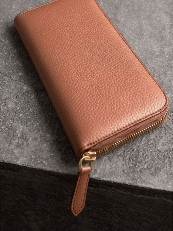Embossed Grainy Leather Ziparound Wallet in Chestnut Brown - Men | Burberry United Kingdom - cell image 3