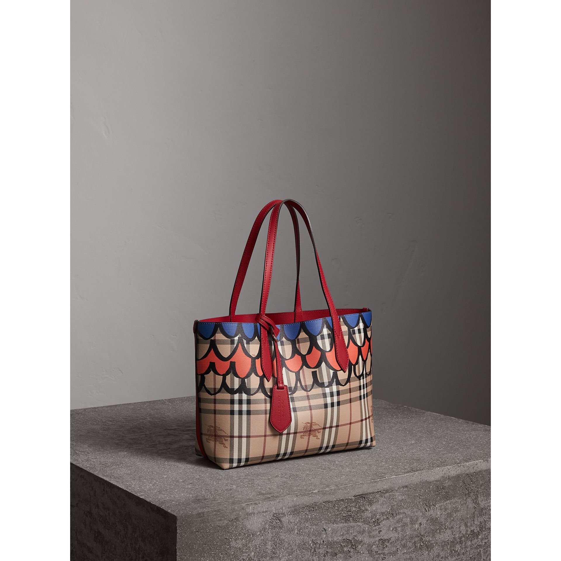 The Small Reversible Tote in Trompe L'oeil Print in Poppy Red - Women | Burberry - gallery image 8