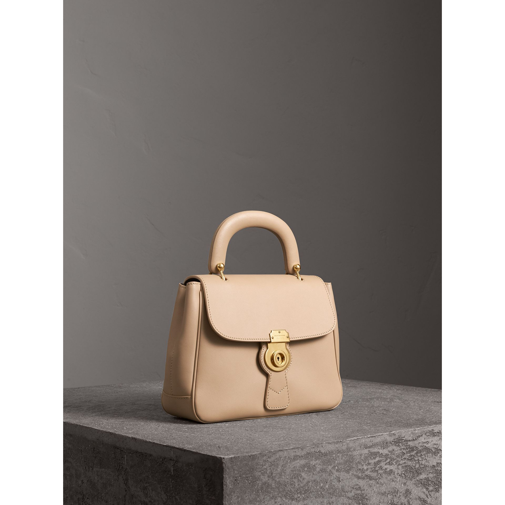 The Medium DK88 Top Handle Bag in Honey - Women | Burberry Hong Kong - gallery image 5