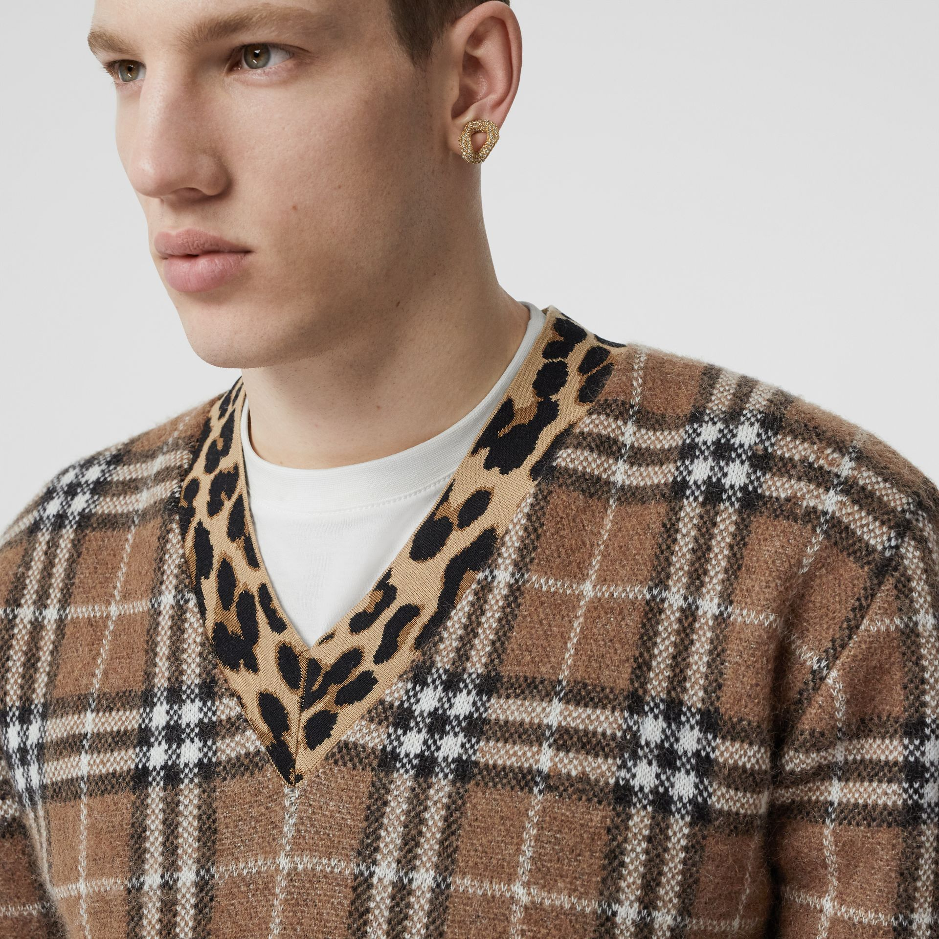 Leopard Detail Vintage Check Cashmere Blend Sweater in Warm Walnut - Men | Burberry - gallery image 4