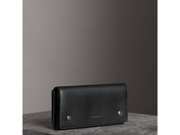 Two-tone Leather Continental Wallet in Black - Women | Burberry United Kingdom - cell image 4