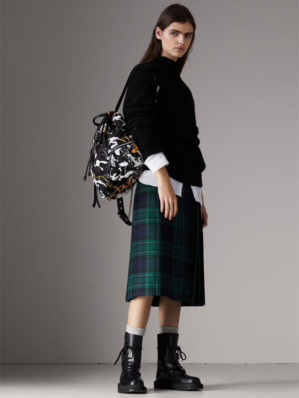 The Medium Rucksack in Splash Print in Black - Women | Burberry United Kingdom - cell image 2