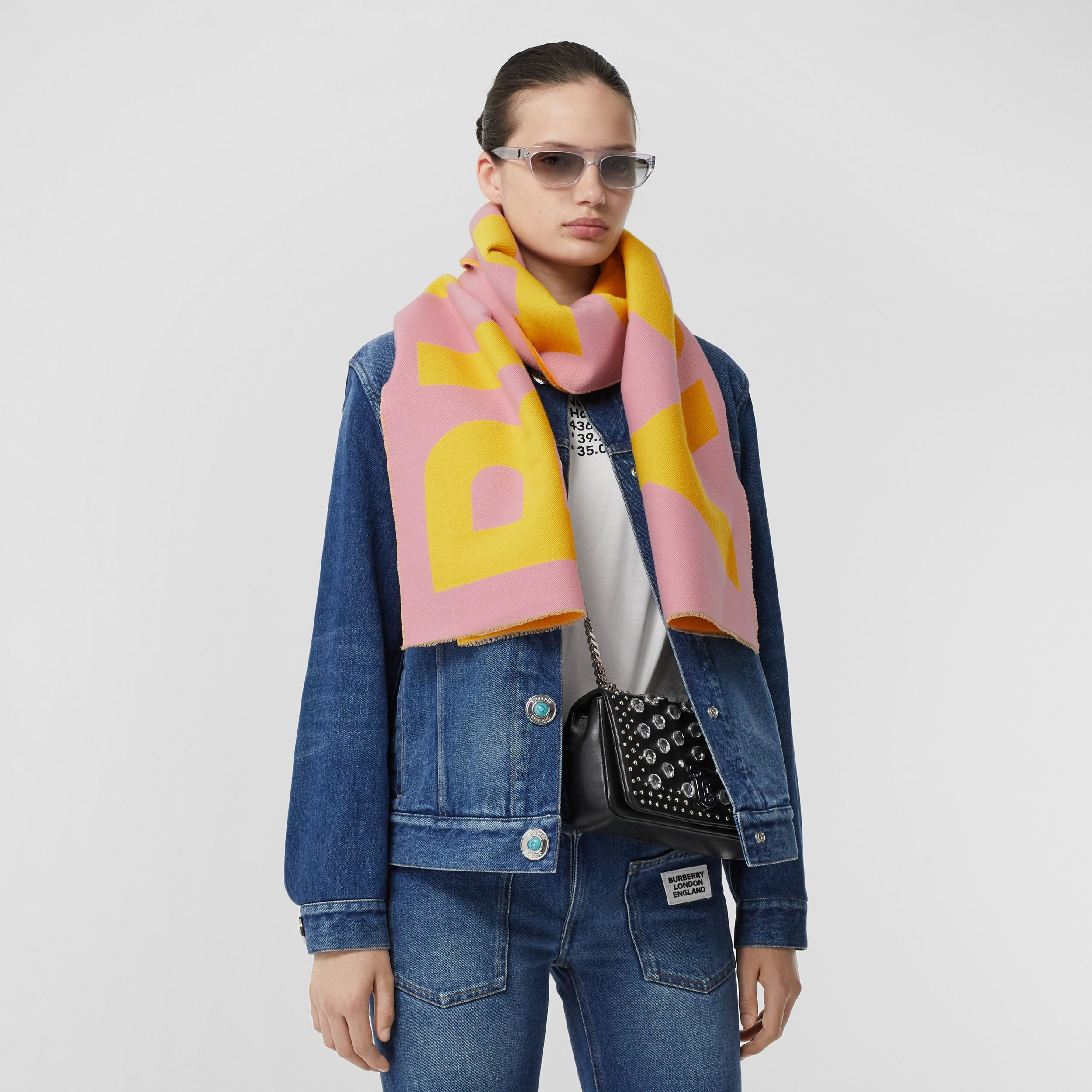 Logo Wool Jacquard Scarf in Candy Pink | Burberry - 3