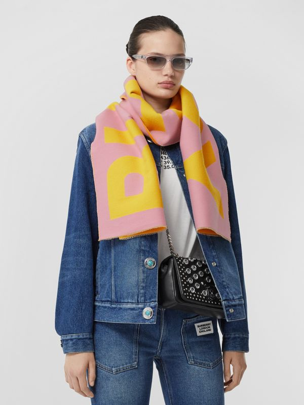 Logo Wool Jacquard Scarf in Candy Pink | Burberry United Kingdom - cell image 2