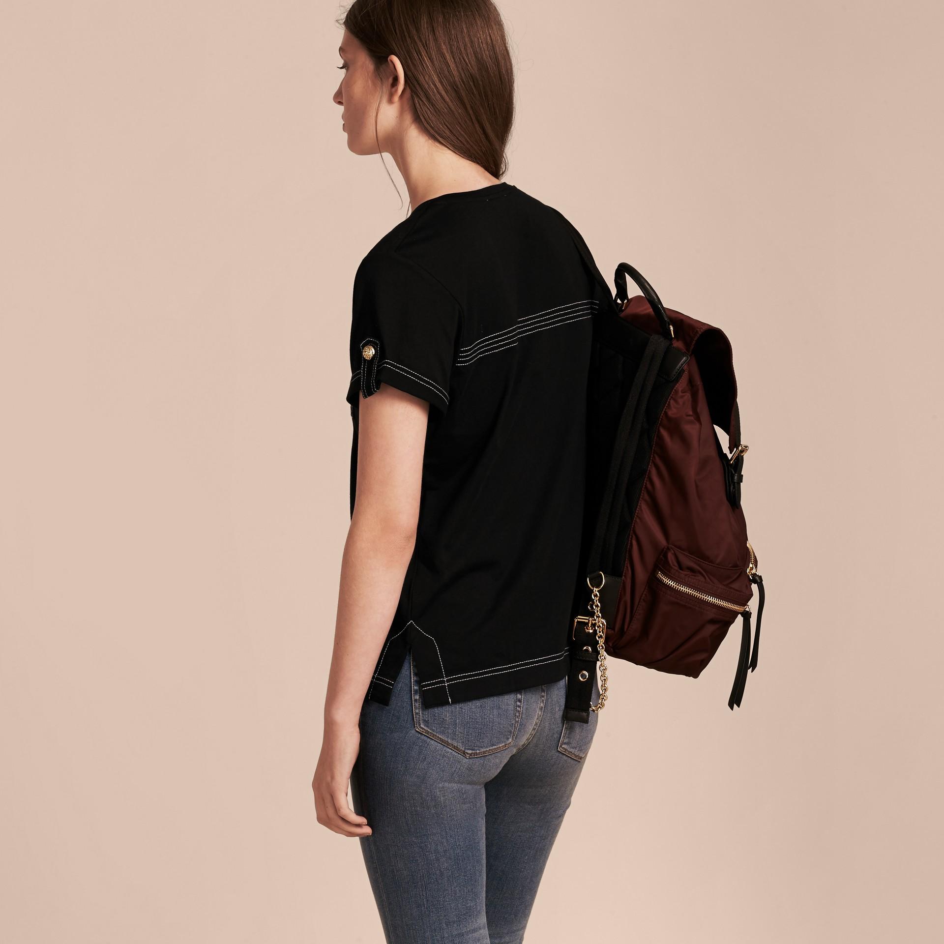 Nero T-shirt in cotone con impunture Nero - immagine della galleria 3