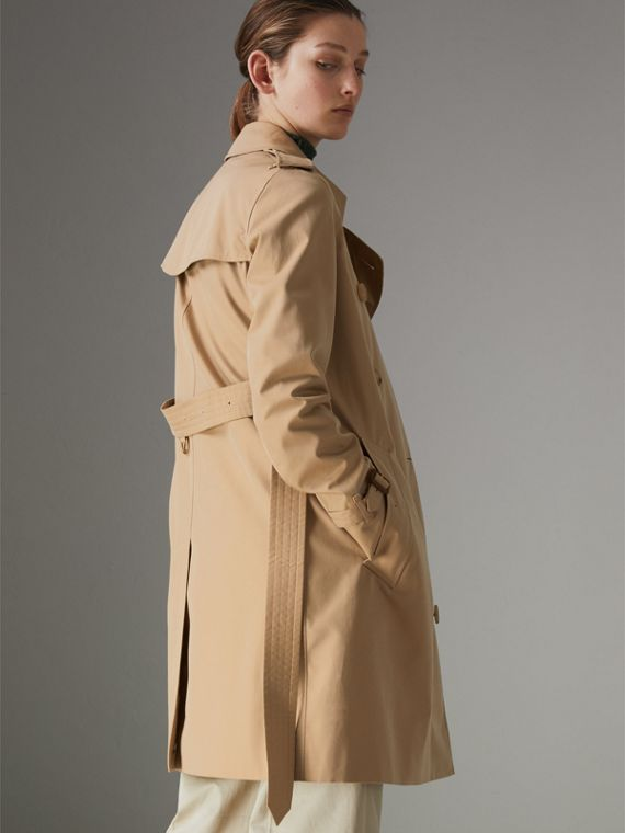 The Kensington Heritage Trench Coat in Honey - Women | Burberry - cell image 2