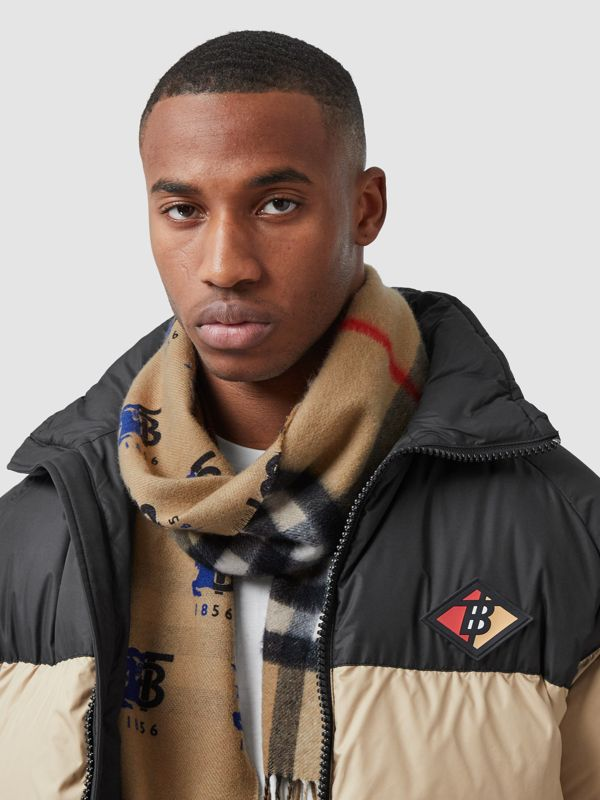 Contrast Logo Graphic Check Cashmere Scarf in Blue | Burberry - cell image 3