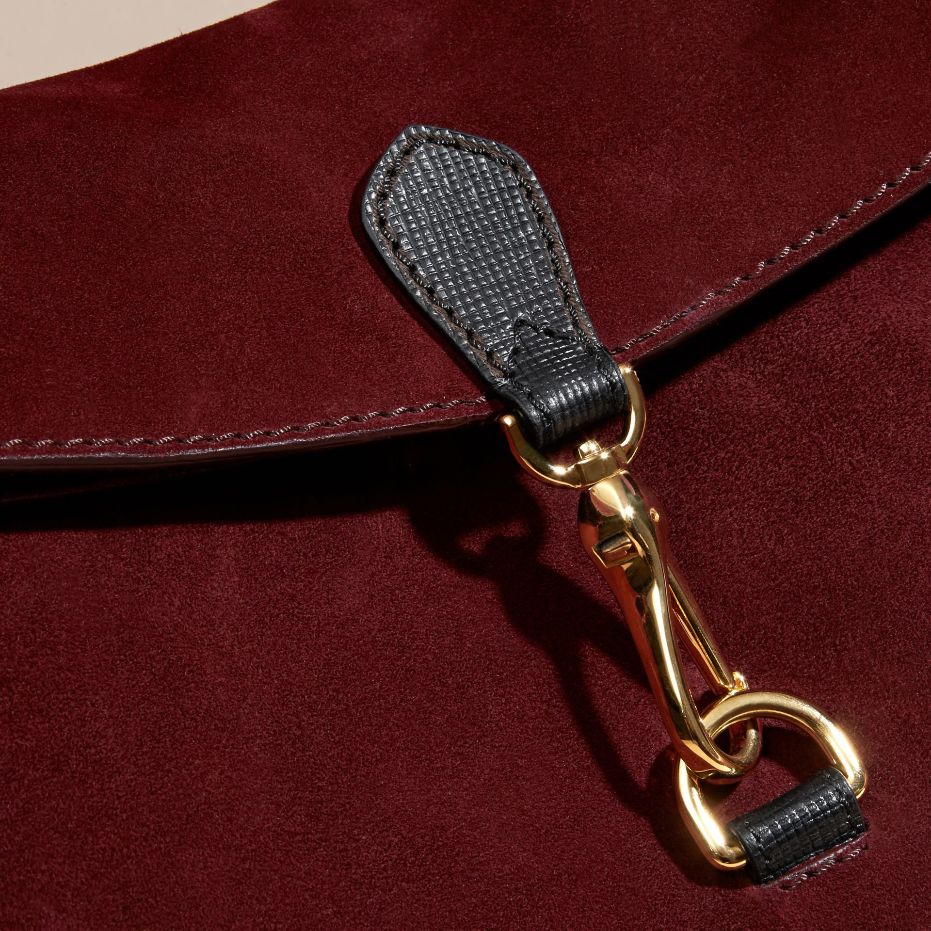 Rojo caoba Bolso de hombro en ante inglés y checks House - imagen de la galería 6