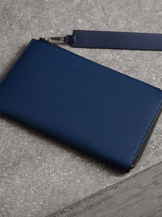 Two-tone Grainy Leather Travel Wallet in Bright Ultramarine - Men | Burberry - cell image 3