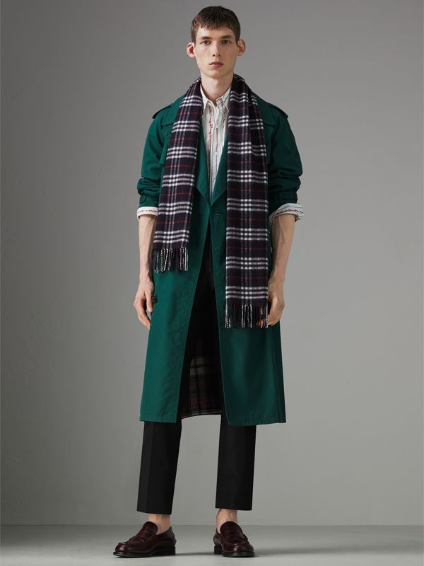 Check Cashmere Scarf in Navy | Burberry United Kingdom - cell image 3
