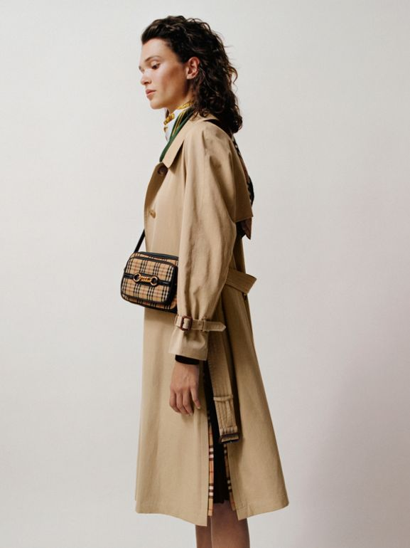 Trench coat in gabardine tropicale con spacchi laterali (Miele) - Donna | Burberry - cell image 1