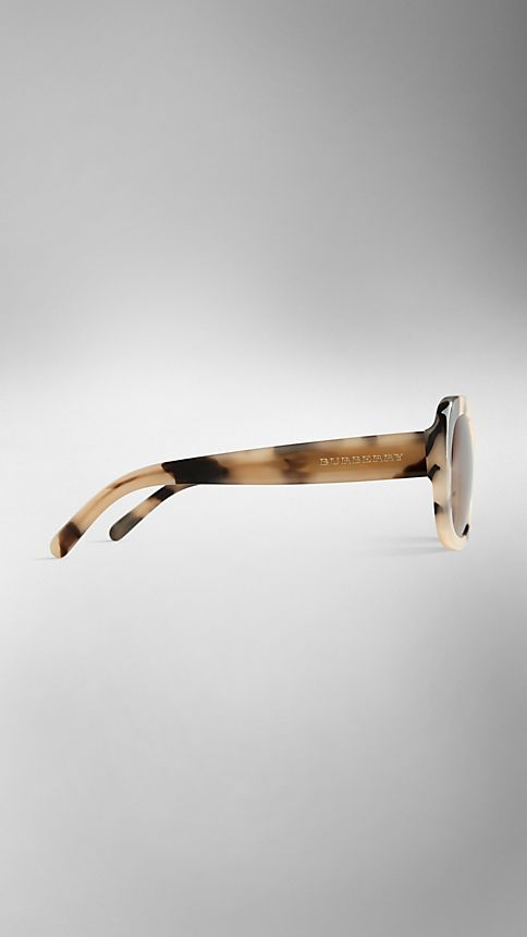 Mid tone horn Trench Collection Round Frame Sunglasses - Image 4