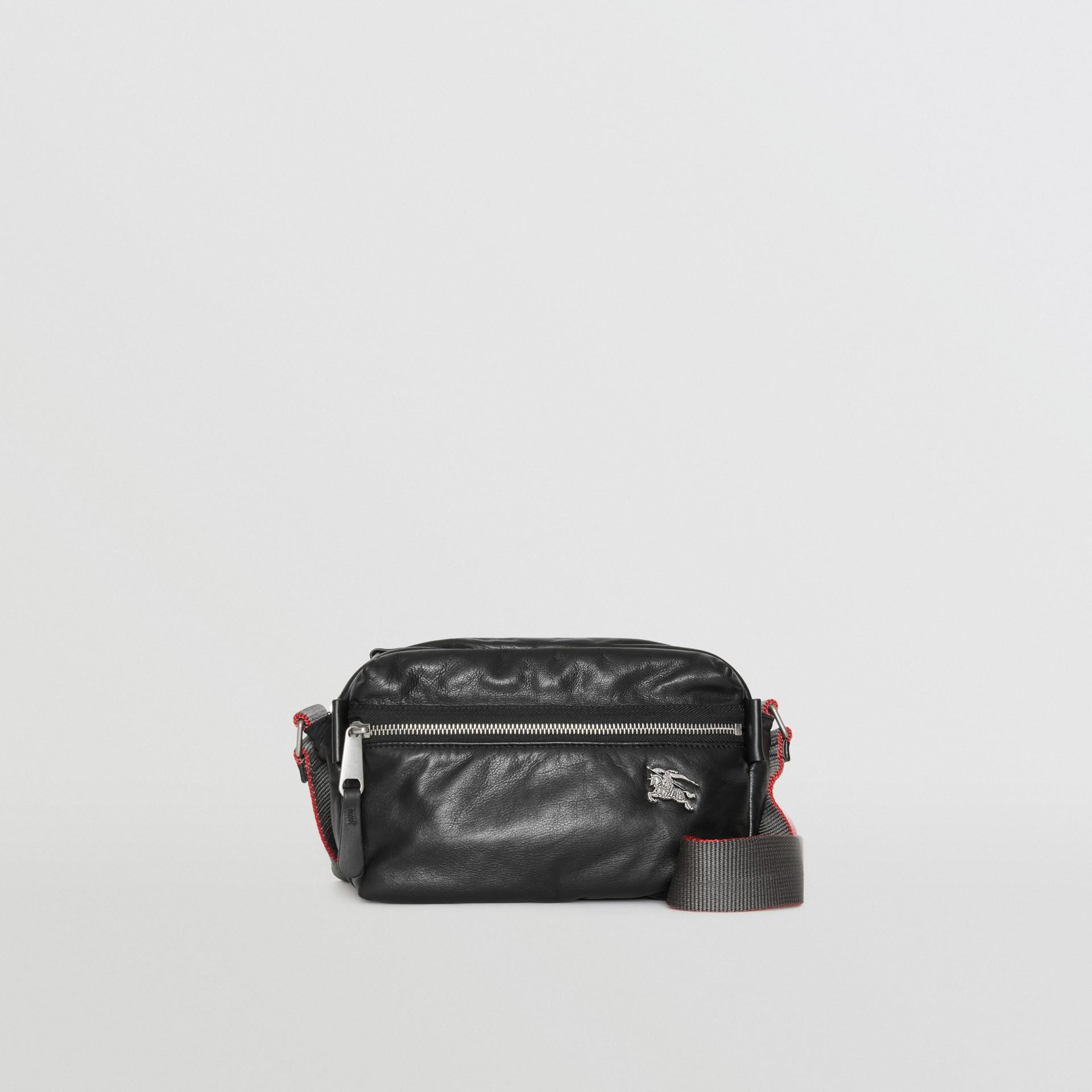 Bolsa transversal em couro nappa com emblema Equestrian Knight (Preto) - Homens | Burberry - galeria de imagens 0