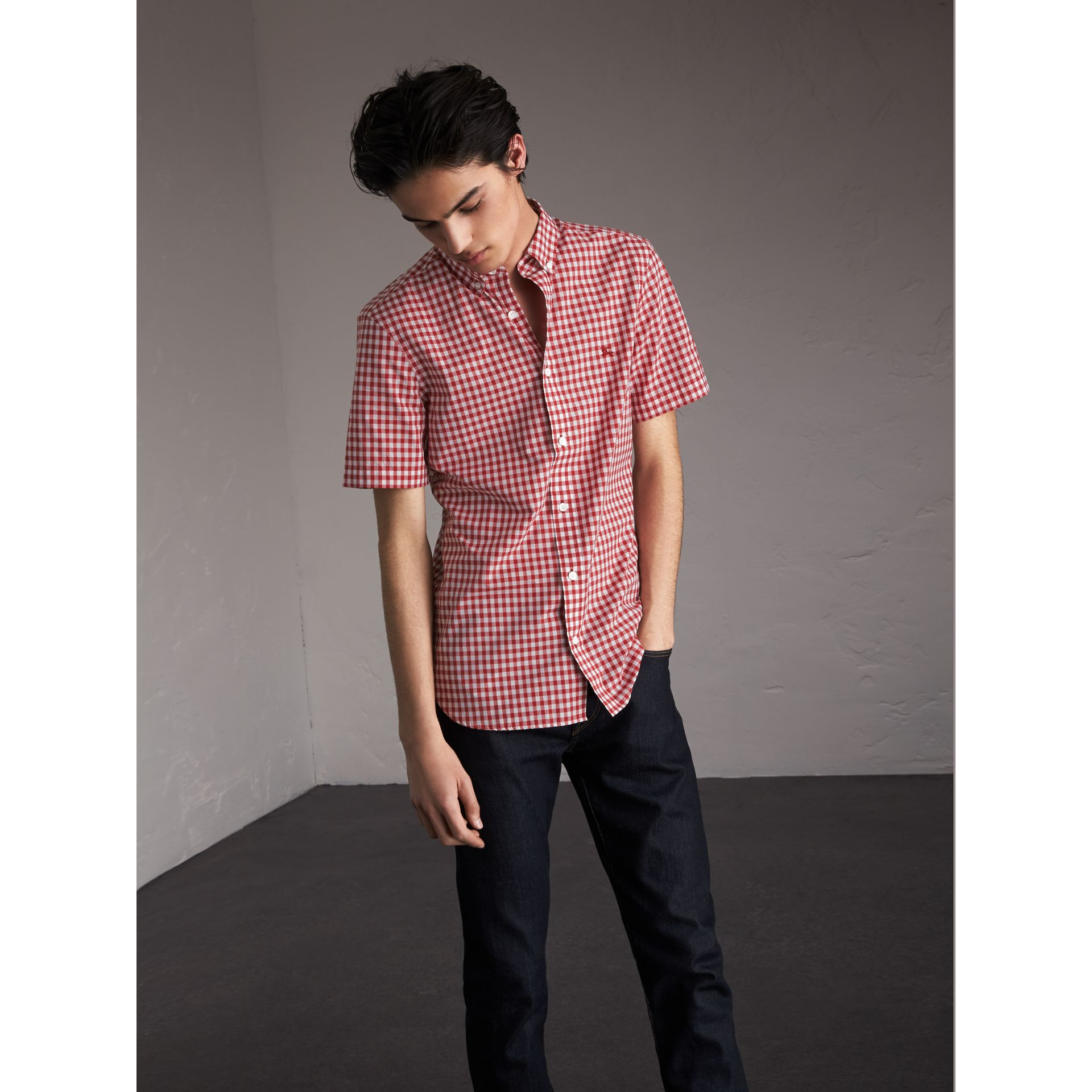 Short-sleeve Button-down Collar Cotton Gingham Shirt in Parade Red - Men | Burberry - gallery image 3