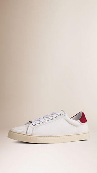 Sneakers en filet et cuir