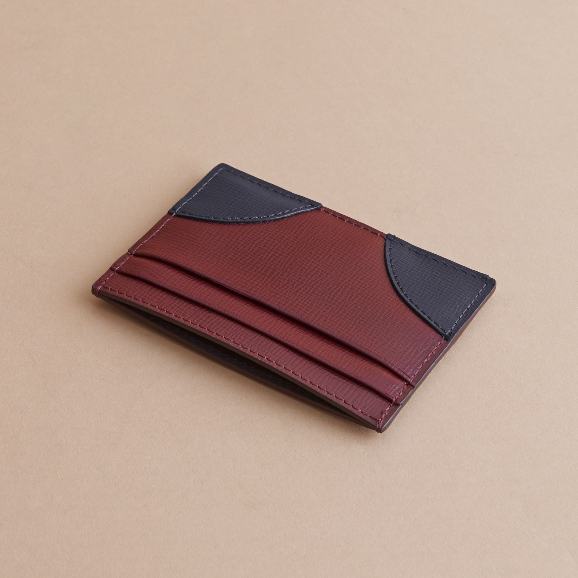 Contrast Corner London Leather Card Case in Burgundy Red - gallery image 3