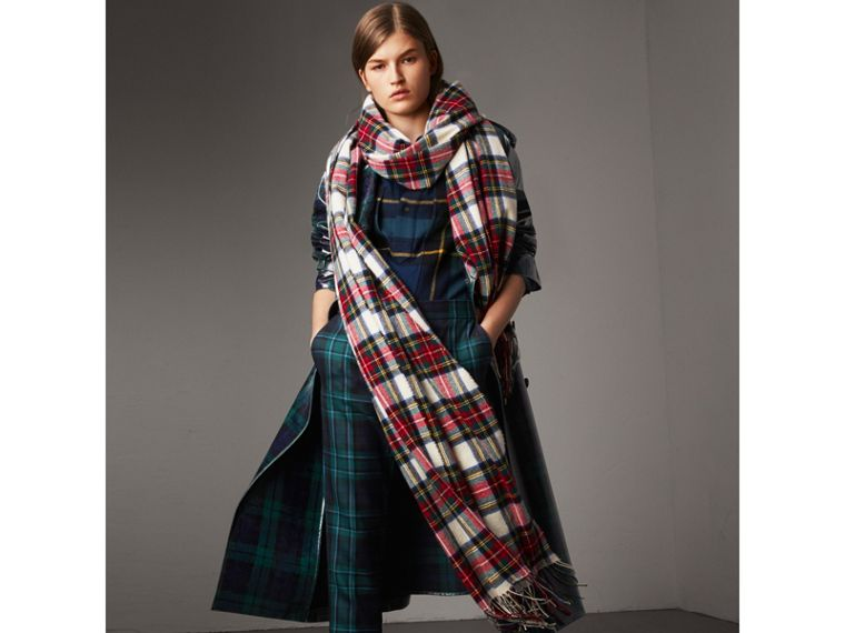 Oversized Tartan Cashmere Merino Wool Scarf in Natural White | Burberry - cell image 2