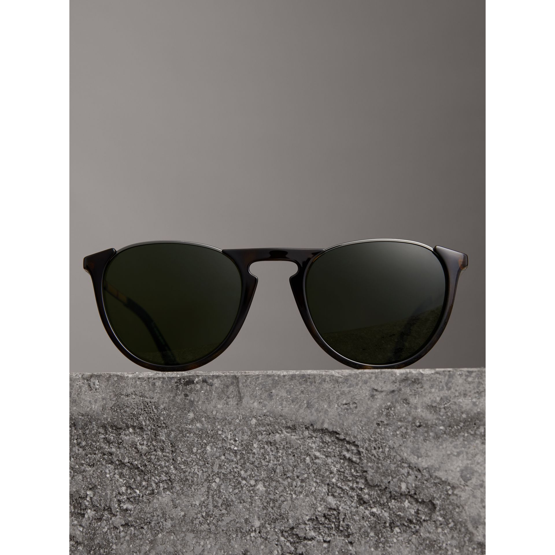 Keyhole Pilot Round Frame Sunglasses in Tortoise Shell - Men | Burberry - gallery image 2