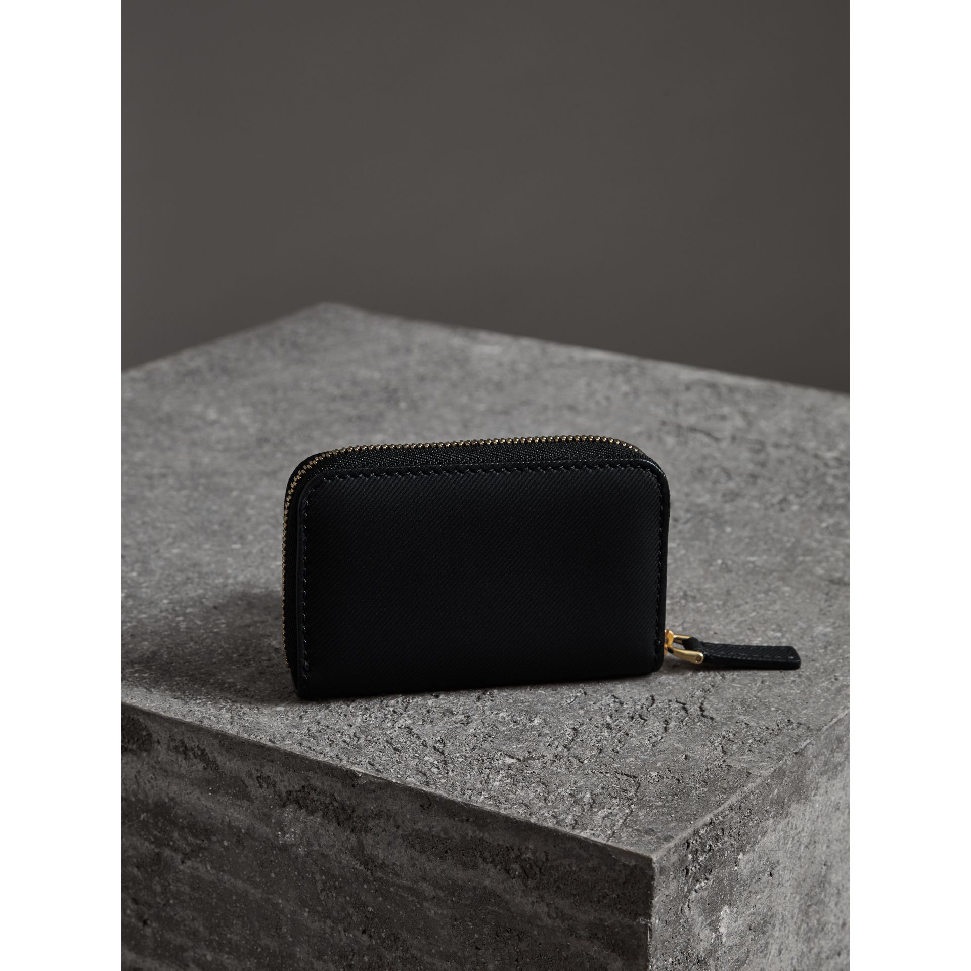 Trench Leather Ziparound Coin Case in Black - Men | Burberry - gallery image 2