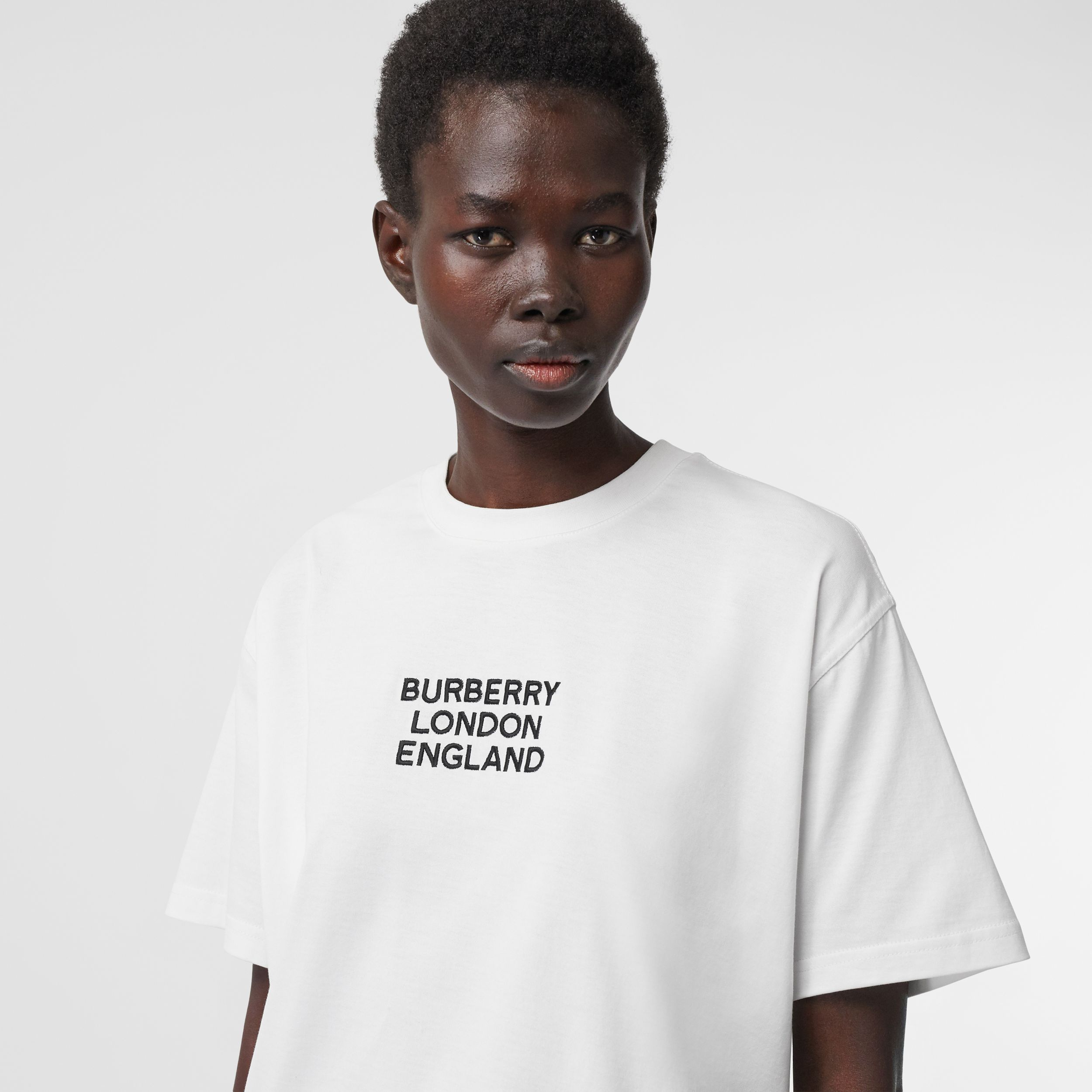 Embroidered Logo Cotton Oversized T-shirt in White - Women | Burberry United Kingdom - 2
